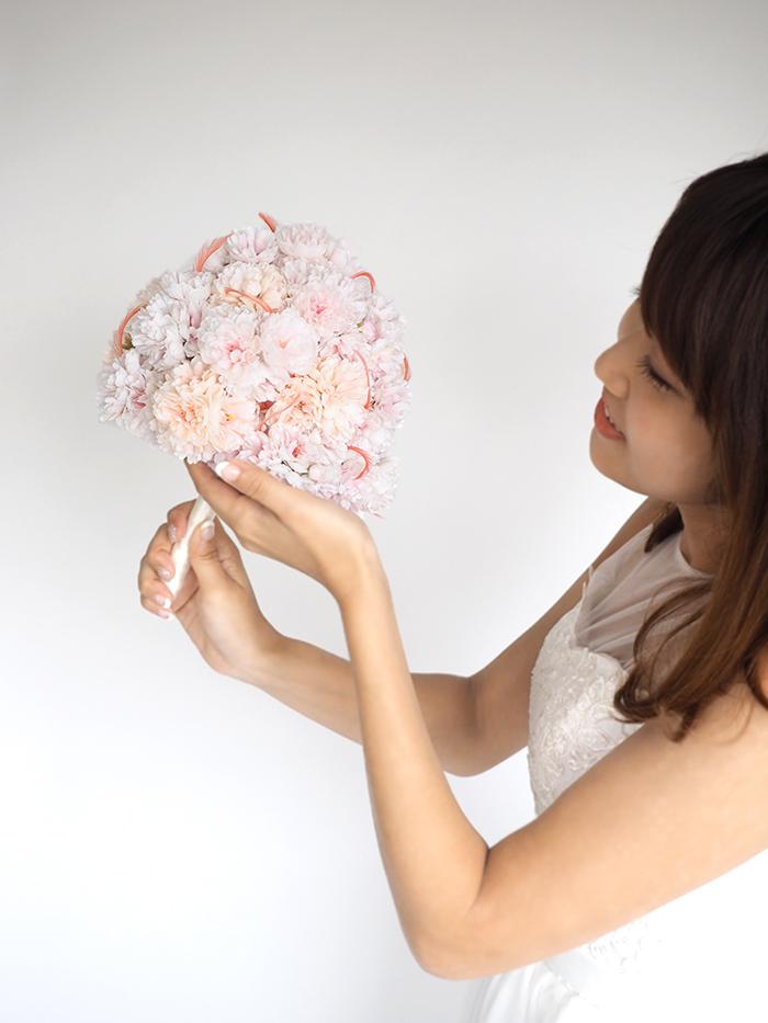 桜とフェザーのラウンドブーケ