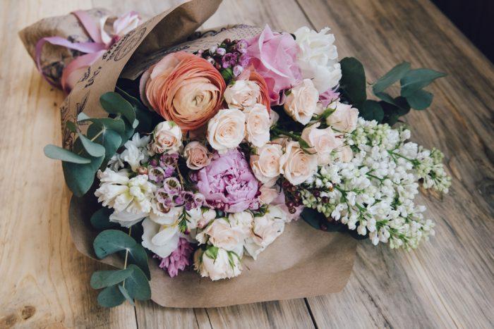 花束のデザイン 三方見