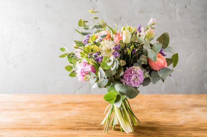 【お花初心者さんシリーズ】誰でも簡単にできる花束の作り方